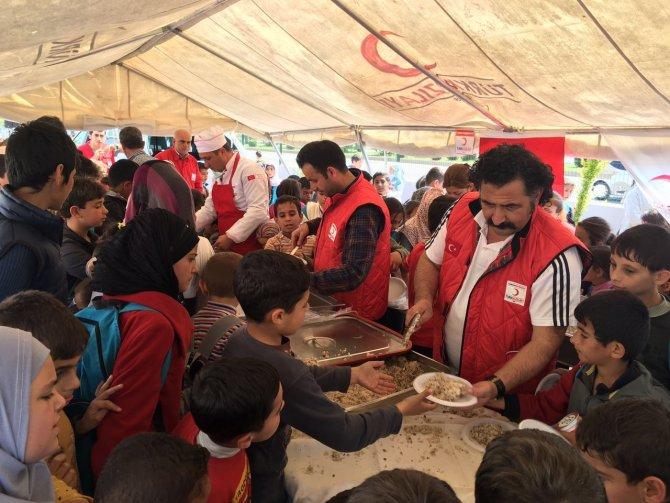 Savaş mağduru Suriyeli ve Iraklı öğrenciler Çanakkale'yi andı