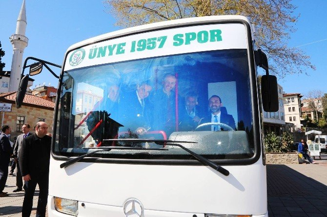 Ünye 1957 Spor'a Yeni Otobüs