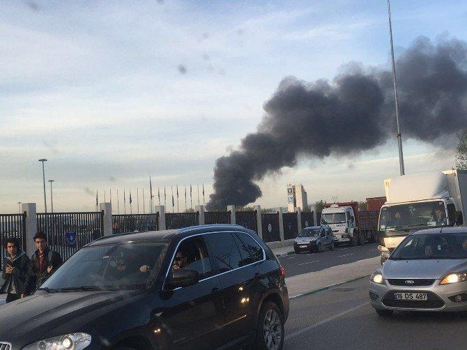 Bursa'da Yangın Paniği...dumanlar Bir Çok Yerden Görülüyor