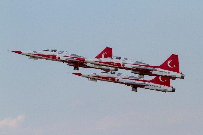 Türk Yıldızları 25 Gösteriye İmza Atacak