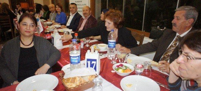 Alaşehir Tsm Korosu'ndan Teşekkür Yemeği