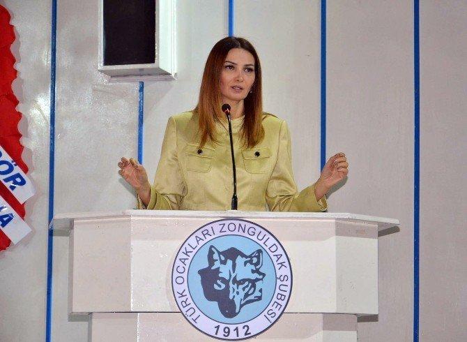 Azerbaycan Milli Meclisi Milletvekili Ganire Paşayeva: