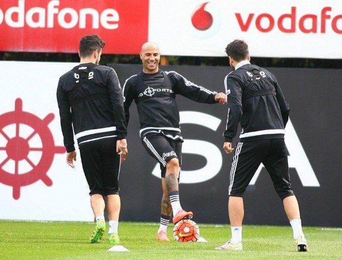 Beşiktaş, Kasımpaşa Maçı Hazlıklarını Sürdürüyor