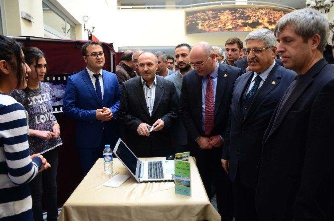 Bitlis'te Başarılı Öğrenciler Ödüllendirildi