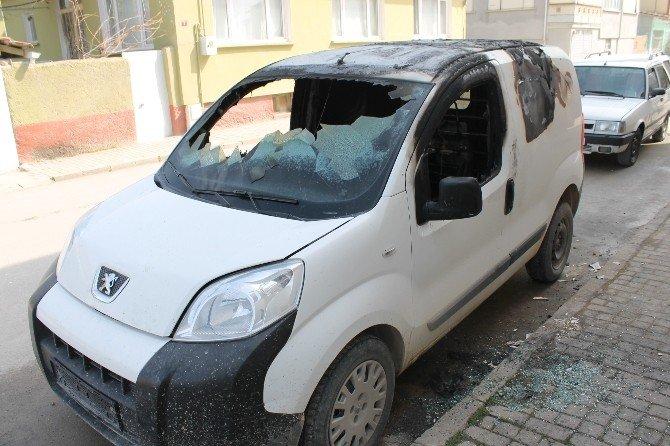Bursa'da 3 Araç Kundaklandı