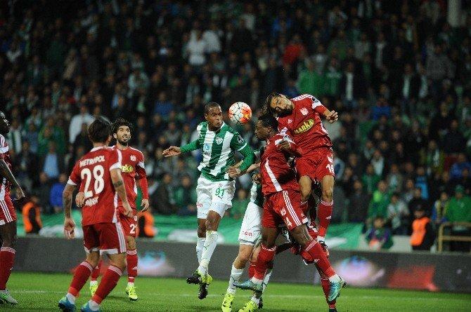 Bursaspor'da Serdar Ve Dzsudzsak Sivasspor'a Karşı Yok