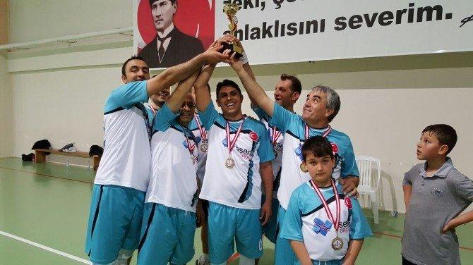 Didim'de Öğretmenler Voleybol Turnuvasında Karşılaştı