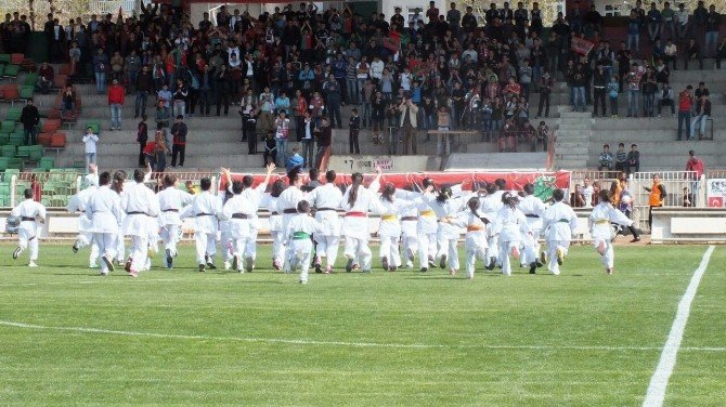 Diyarbekirspor, Sakaryaspor Maçında Dostluk Rüzgarı