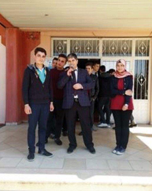 Liseli Öğrenciden İnsanlık Dersi