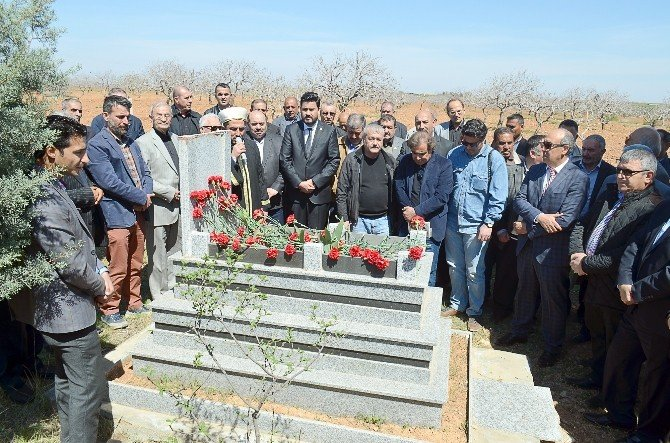 Gazeteci Vahittin Bozgeyik Mezarı Başında Anıldı