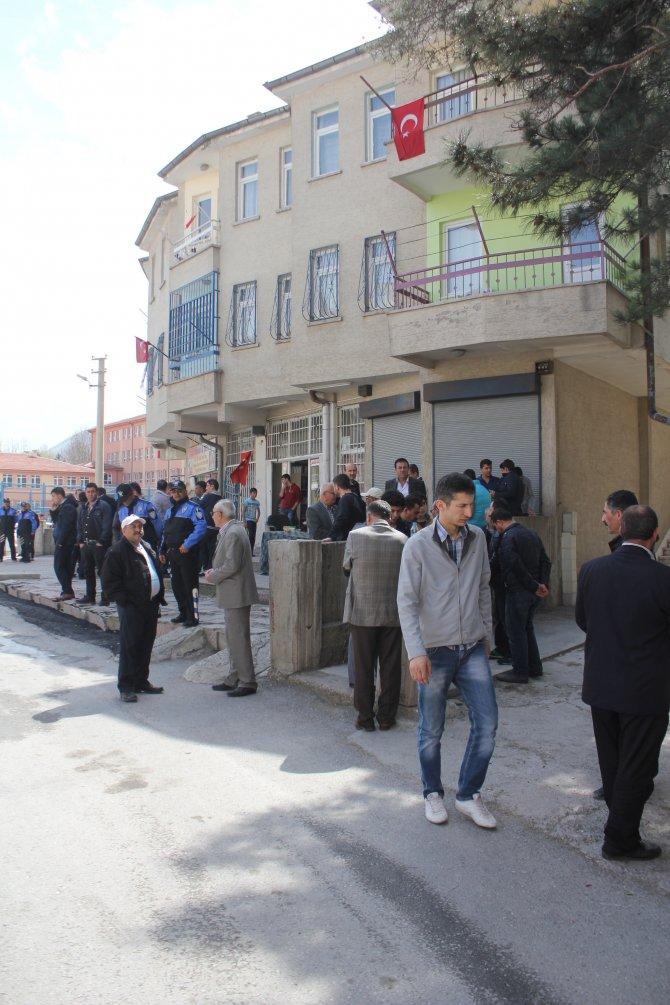Şehit polis, babasının yanına defnedilmeyi vasiyet etmiş