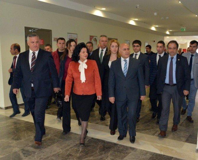 Pehlivanköy Geri Gönderme Merkezi Hizmete Açıldı