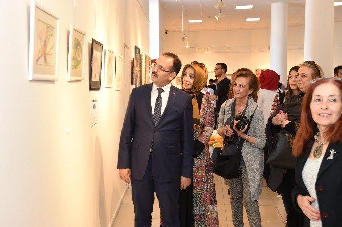 """Uşak'ta 76'lı Eğitim Enstitülülerden """"Sanatta 40 Yıl"""" Sergisi"""