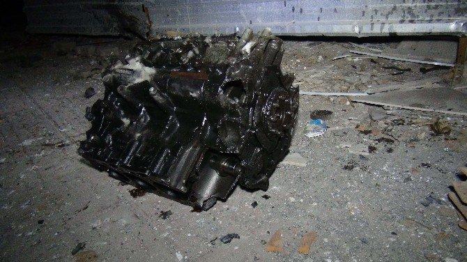 Kızıltepe Askerlik Şubesine Bombalı Saldırı:1 Ölü,1'i Asker 11 Yaralı