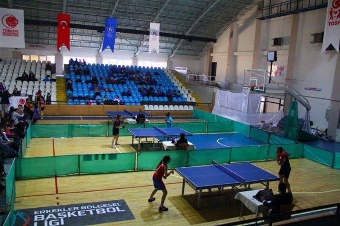 Analig Masa Tenisi Yarı Finalleri Başladı