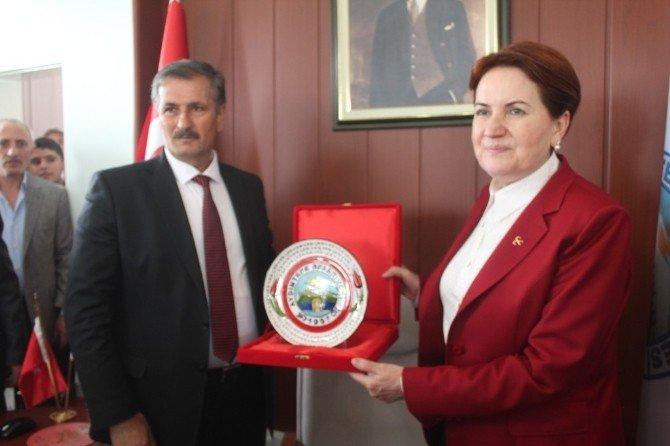 """MHP'li Akşener'e """"Hayme Ana"""" Benzetmesi"""
