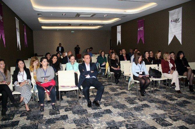 Uğur Okulları İngilizce Öğretmenlerini Buluşturdu