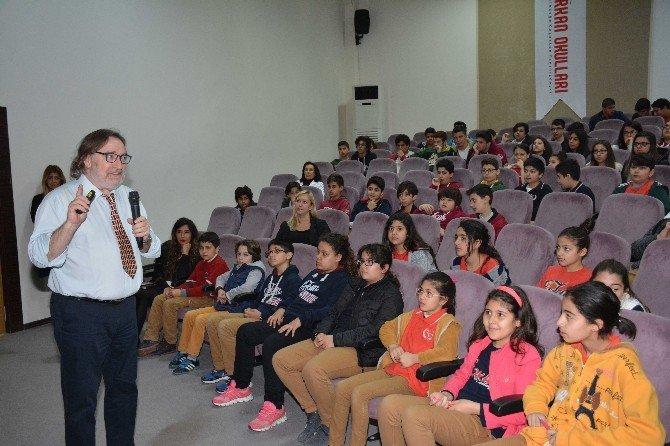 İngilizce Okuma Kitaplarının Editöründen Öğrencilere İngilizce Seminer