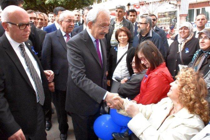 CHP Lideri Kılıçdaroğlu, 'Biz De Varız' Fotoğraf Sergisini Gezdi