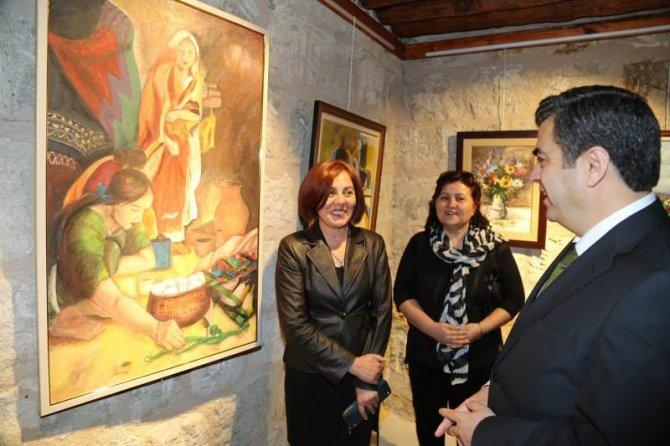 Ressamların Kayseri için hazırladıkları resimlerin sergisi açıldı