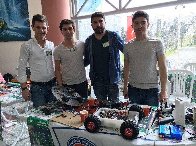 Genç Mucitler Rakiplerinin Robotlarını Parçalamak İçin Yarıştı