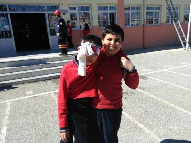 Yozgat Erdoğan Akdağ İlk Ve Ortaokulunda Yapılan Deprem Tatbikatı Gerçeği Aratmadı