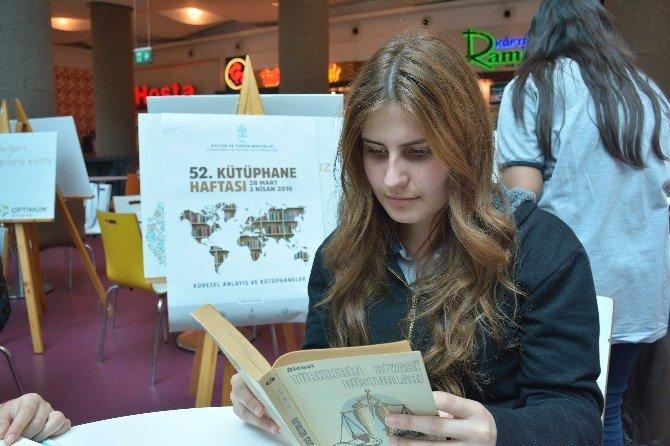 Kitap Okuma Şenliği'ne Yoğun İlgi