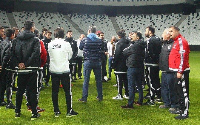 Beşiktaşlı Futbolcular Vodofone Arena'yı Gezdi