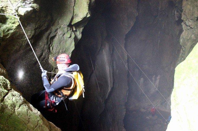 Mağarada Nefes Kesen Yaralı Kurtarma Tatbikatı