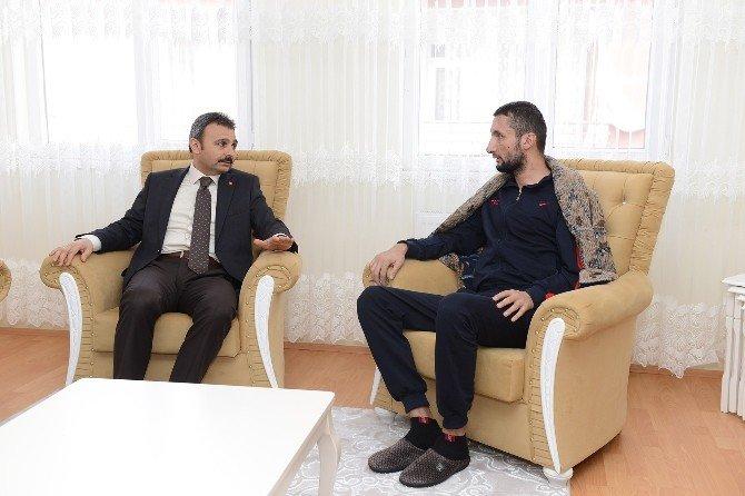 Başkan Külcü Yaralı Uzman Çavuş'u Ziyaret Etti