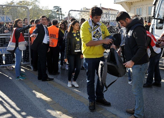 Kadıköy'de Yoğun Güvenlik Önlemi