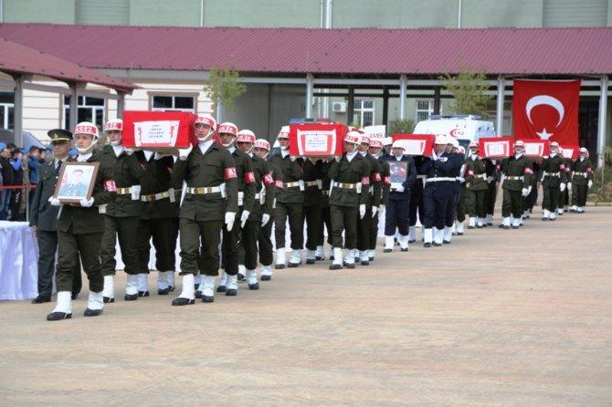 Nusaybin'de şehit olan 5 asker ve 1 polis için tören düzenlendi