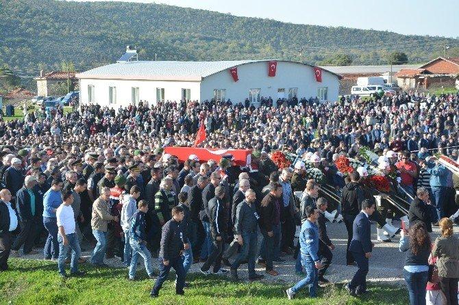Balıkesirli Şehidin Cenazesinde Gözyaşları Sel Oldu