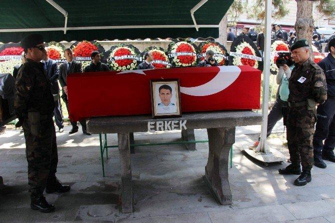 Şehit Mustafa Sezgin Son Yolculuğuna Uğurlandı