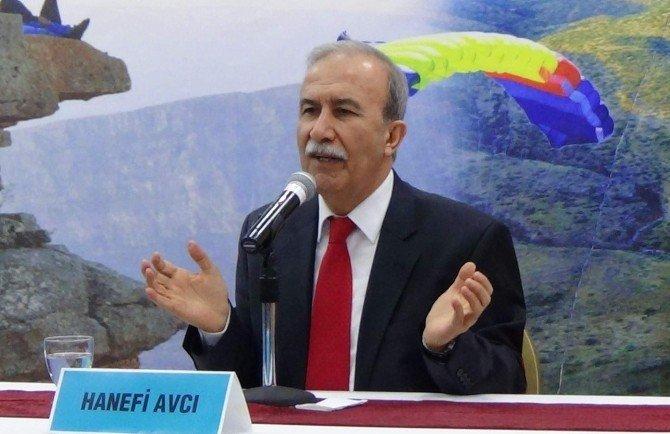 Eski Emniyet Müdürü Hanefi Avcı Siirt'te Söyleşiye Katıldı