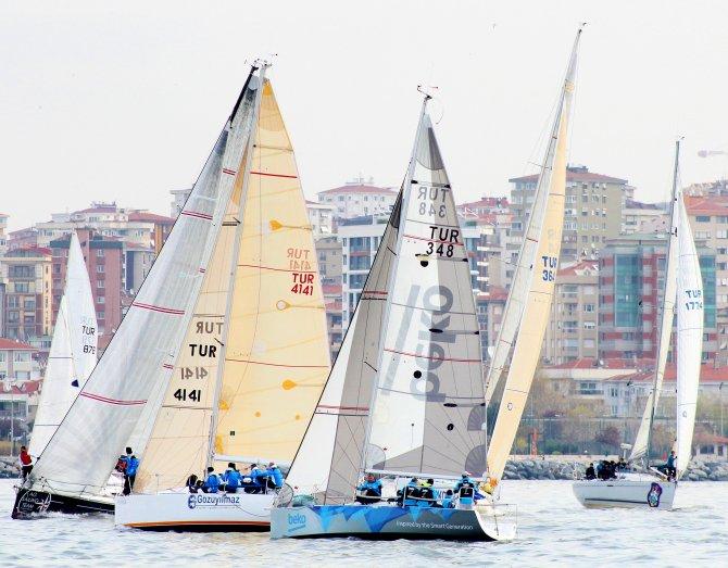 İstanbul'da rüzgar, Viaport Marina'ya esti