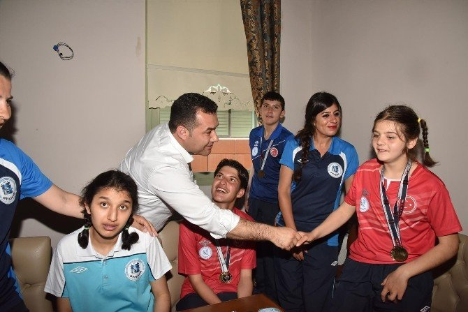 Başkan Yücel Özel Öğrenciler İle Bir Araya Geldi