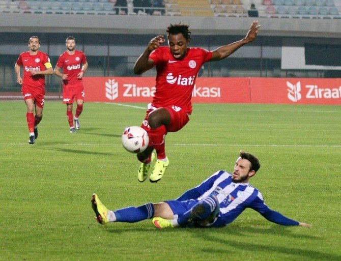 Antalyaspor'da M'billa Gole Hasret