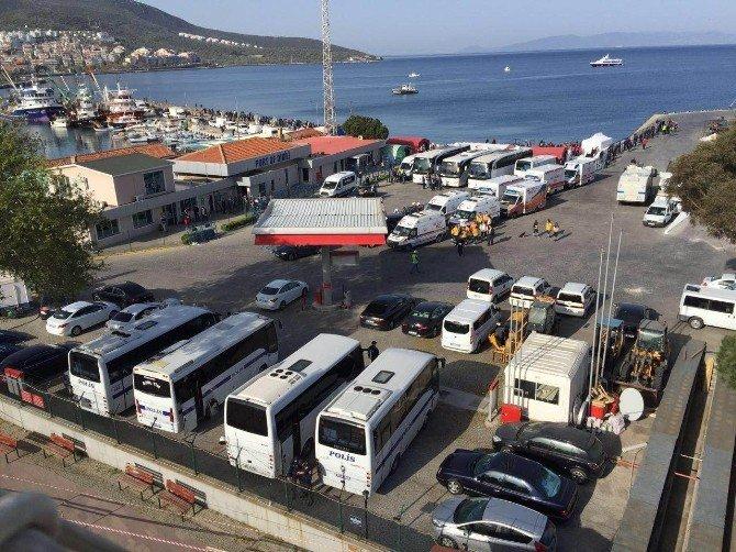 Sığınmacıları Taşıyan İlk Gemi Midilli'den Dikili'ye Geldi