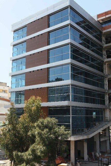 Bayraklı'nın Akıllı Binasında Geri Sayım Sürüyor