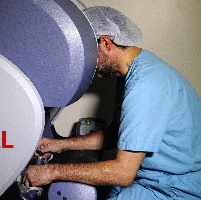 Prostat Kanserinde Canlı Ameliyatla Robotik Cerrahi