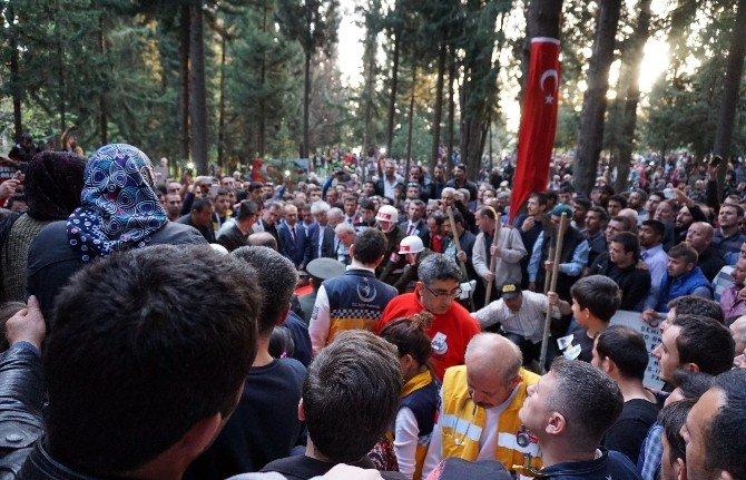 CHP Balıkesir Milletvekiline Şehit Cenazesinde Yumruk