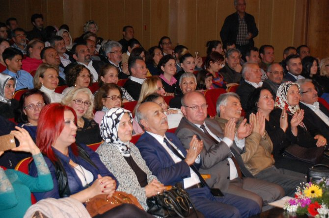 ÇGC Türk Sanat Müziği Korosu'ndan konser