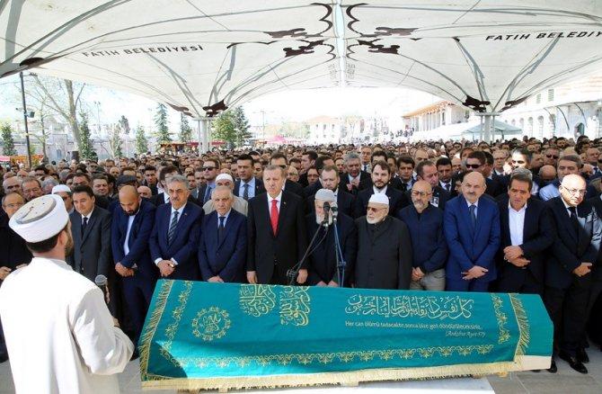 Cumhurbaşkanı Erdoğan, işadamı Hüseyin Doğan'ın cenazesine katıldı