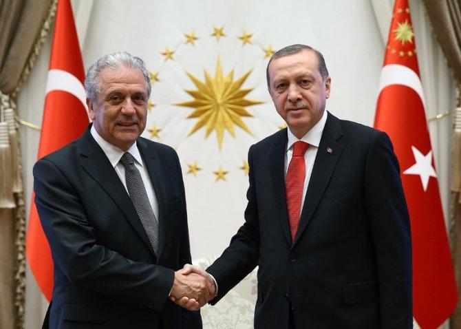 Cumhurbaşkanı Erdoğan, Al Madani ve Avramopulos'u kabul etti