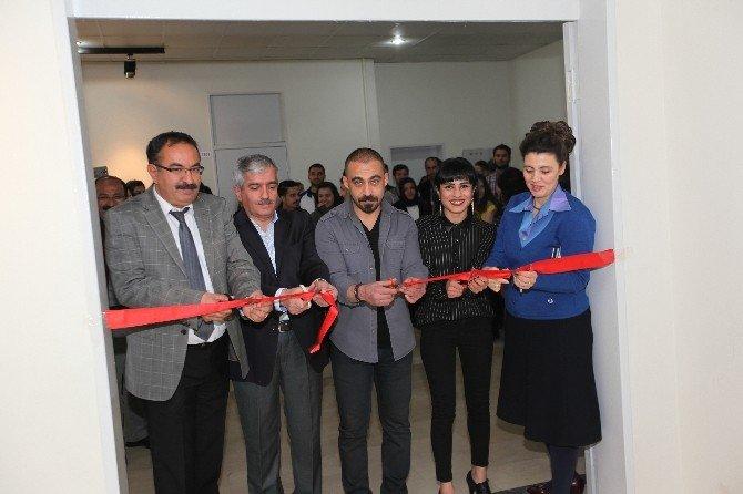 DÜ'de 'Geride Kalanlar' Adlı Resim Sergisi Açıldı