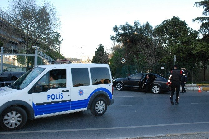 Eyüp'te Polisi Alarma Geçiren 3 Genç Gözaltına Alındı
