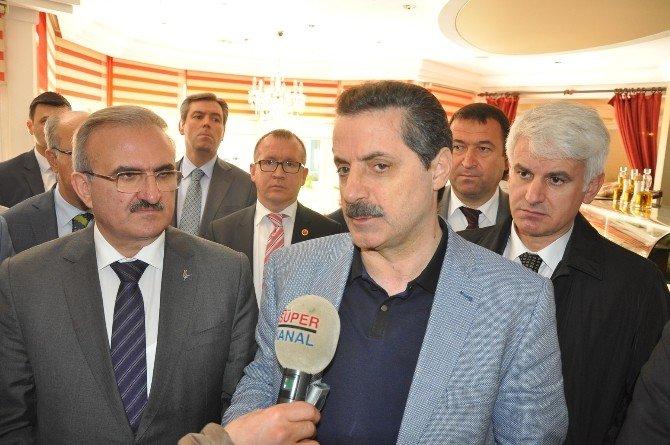 """Bakan Çelik: """"Ermenistan Saldırgan Tutumundan Vazgeçmeli"""""""