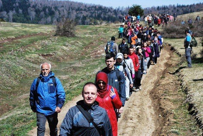 Bahar Yürüyüşleri Karagöl'le Başladı
