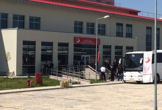 Kırklareli'ndeki 22 Mülteci Başka İllere Nakledildi